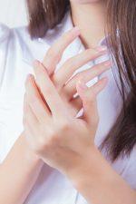手荒れの悩みにおすすめのハンドクリームの選び方・使い方を美容師が紹介